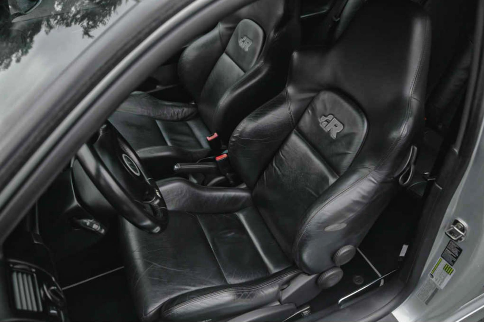 2004 VW Golf R32